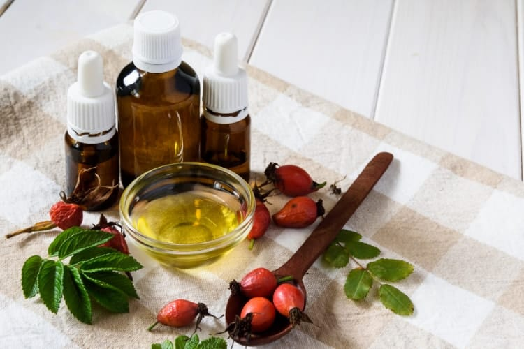 what can i mix rose hip oil with